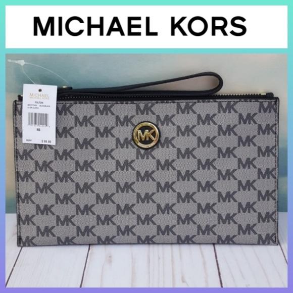 19bac709d678 MICHAEL Michael Kors Bags | Michael Kors Fulton Wristlet Large Zip ...